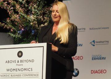 Tine Arentsen Willumsen, stifter af Above and Beyond byder velkommen til Womenomics Award 2019 Foto: Trine Askholm