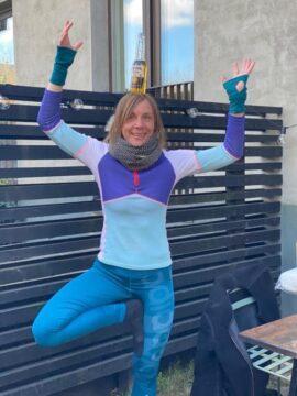 Anne Lund og øl-yoga