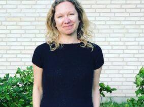 Jane Ibsen Piper er forfatter og specialkonsulent i Finansstyrelsen. Den 4. marts udkom hende to bøger Den lille guide til minimalisme og Den lille guide til opsparing.