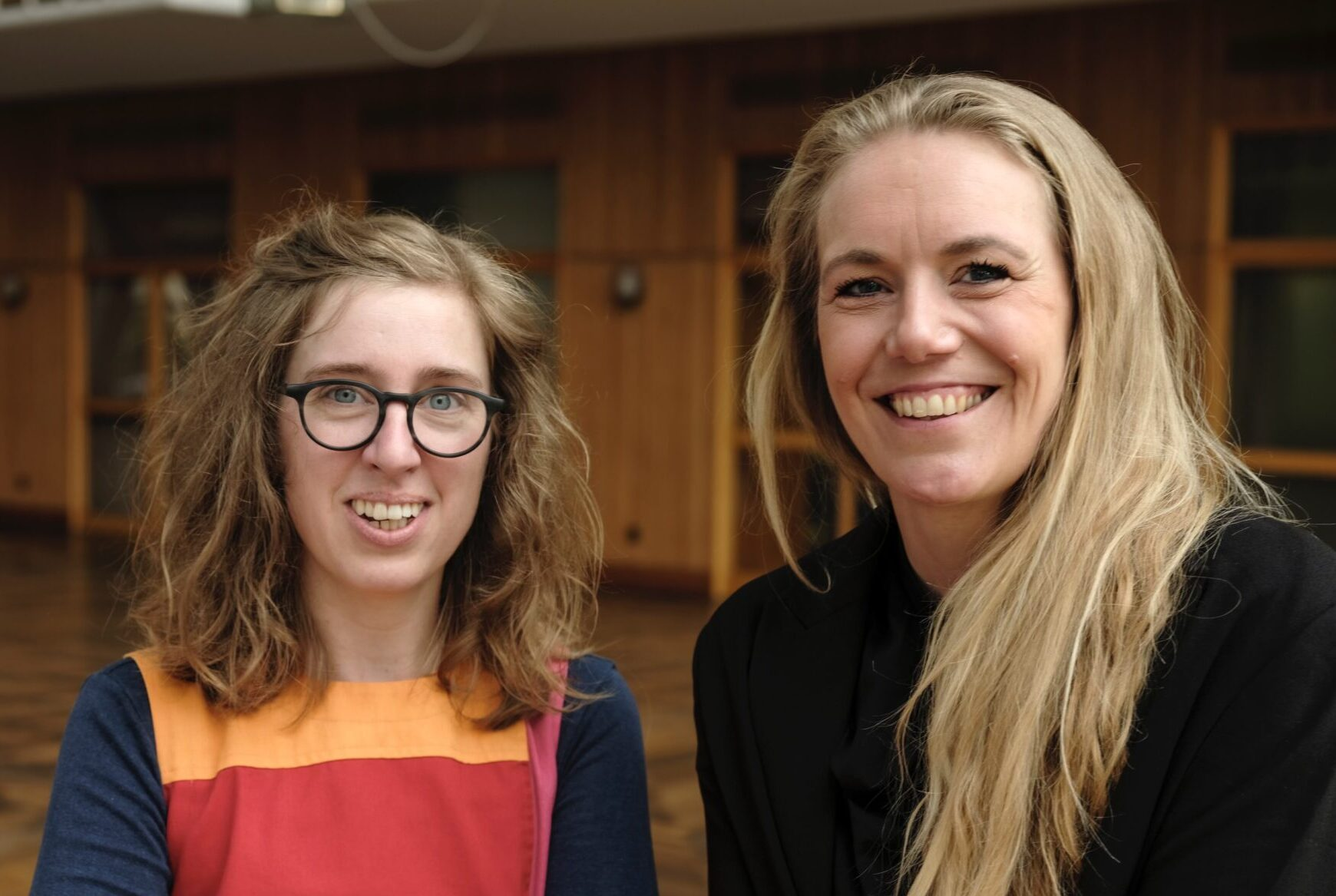 Mette Bjerre og Liv Gro Jensen er to af de tre stiftere af netværket. De er begge valgt til byrådet i Aarhus og arbejder på tværs af partiskel for at få flere kvinder til at gå ind i politik. Foto: Privat