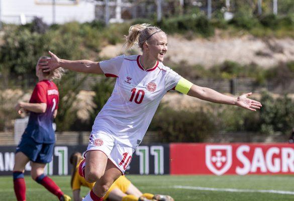 Pernille Harder, Danmark, jubler efter målet til 1-0 i kampen mod Norge- Algarve Cup 2020. Foto: Anders Kjærbye - dbufoto.dk