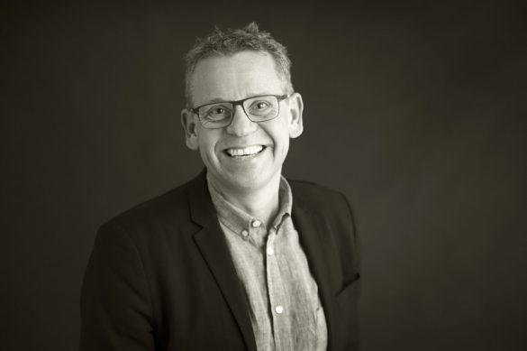 Claus Holm har de sidste  5 år været leder af DPU, Aarhus Universitet. Han har en baggrund som lektor i pædagogisk sociologi, og han bidrager ofte til den offentlige debat om blandt andet køn, mistrivsel og social ulighed. Foto: pressefoto