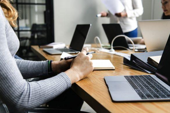 Forskning viser, at diversitet i topledelser og bestyrelser gavner samfundet. Foto: Creative Common