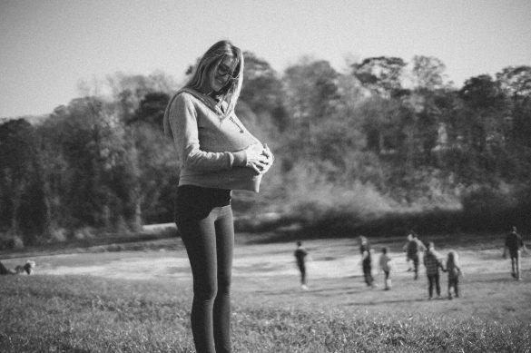 Er det en fordel at blive gravid når du er iværksætter? Ja siger klummeskribent og co-founder hos GoGetty Helene Aagaard. Foto: Jordan Bauer on Unsplash