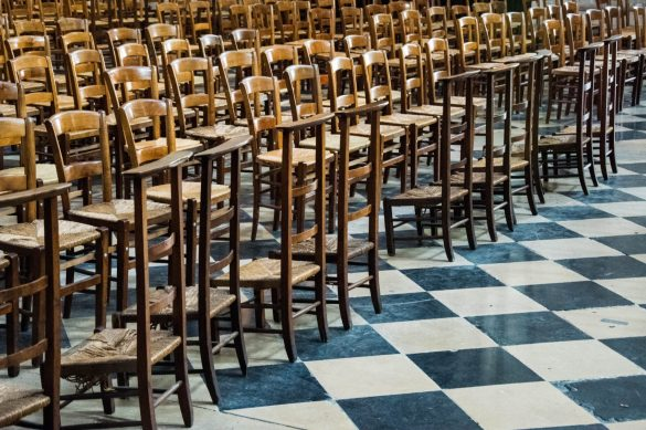 Bliver du tilbudt en stol ved bordet, spørger klummeskribent og iværksætter Helene Aagaard om. Foto: Stefanos Orovas